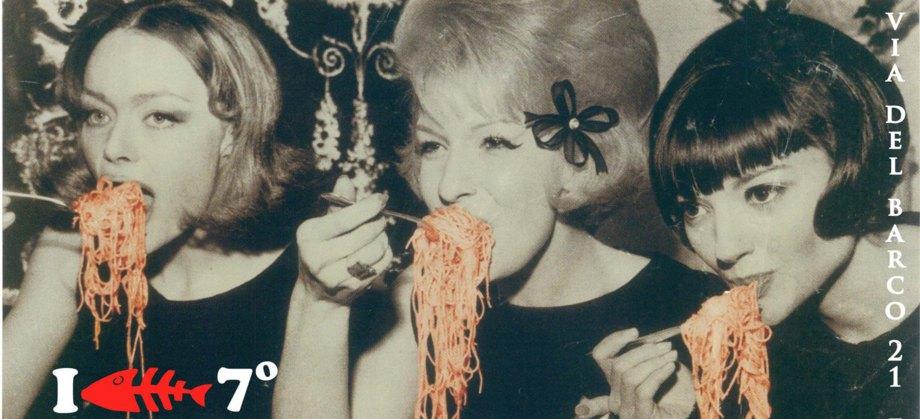 pasta, donna pasta, mangiando pasta