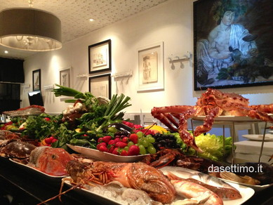 piatti, tavola piatti, diversi pesci